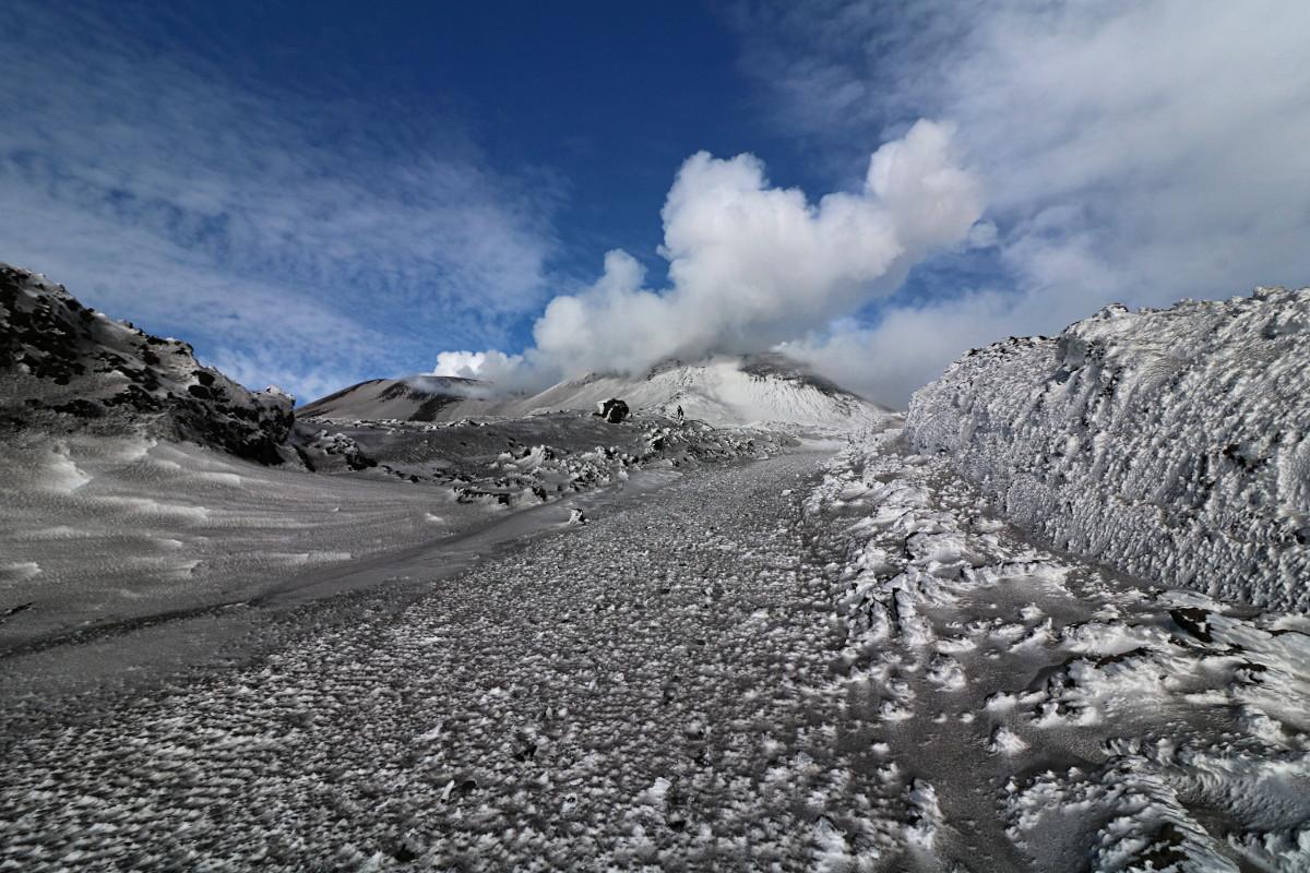 Sycylia – wulkan Etna zimą (3340m n.p.m.)