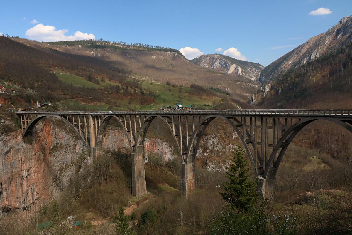 Ponownie most