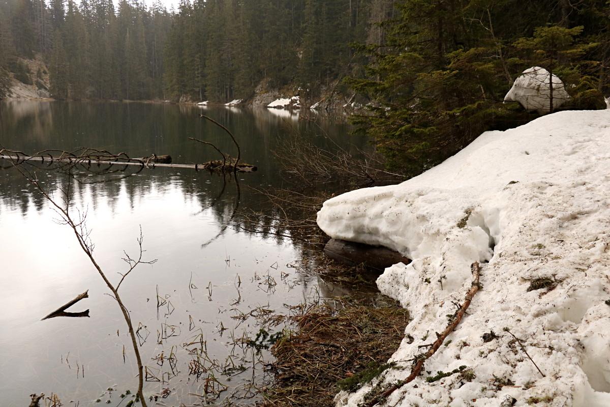 Spacer na drugą stronę jeziora